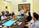 Đồng chí Phó Chủ tịch UBND tỉnh thăm, chúc mừng Trường Đại học Hoa Lư nhân ngày 20/11