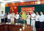 Đồng chí Nguyễn Thị Thanh, Bí thư Tỉnh uỷ đến thăm, chúc mừng tập thể cán bộ, giáo viên trường Đại học Hoa Lư nhân ngày 20/11.