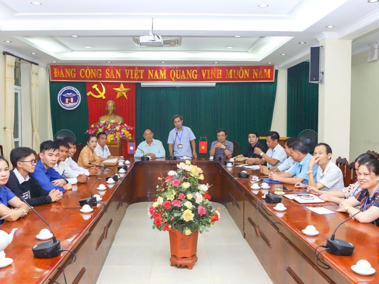 Lễ bàn giao và tiếp nhận lưu học sinh Lào Khóa 09 năm học 2019 - 2020 của trường Đại học Hoa Lư Ninh Bình