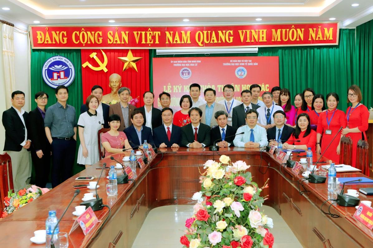 Lễ ký thỏa thuận hợp tác giữa trường Đại học Hoa Lư và trường Đại học Kinh tế quốc dân